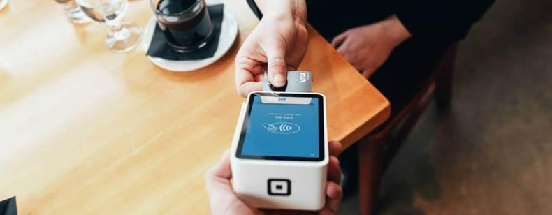 Carte de crédit et carte de débit :